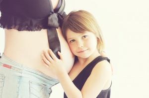 Chroniczny stres przyszłej matki skutkuje próchnicą zębów dziecka
