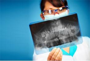 PLTR zasypuje rowy niezgody wykopane przeciwko medykom i… trwa przy swoim stanowisku