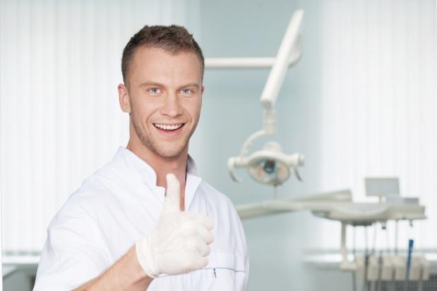 Jak pacjent ocenia dentystę: pięć głównych kryteriów