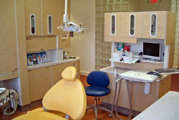 Co z VAT, gdy dentysta podnajmuje gabinet drugiemu dentyście?