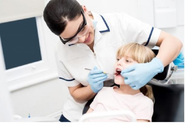 W Słupsku rozdzielono role przy profilaktyce próchnicy zębów u dzieci