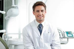 Jak stworzyć swój profesjonalny internetowy opis lekarza dentysty?