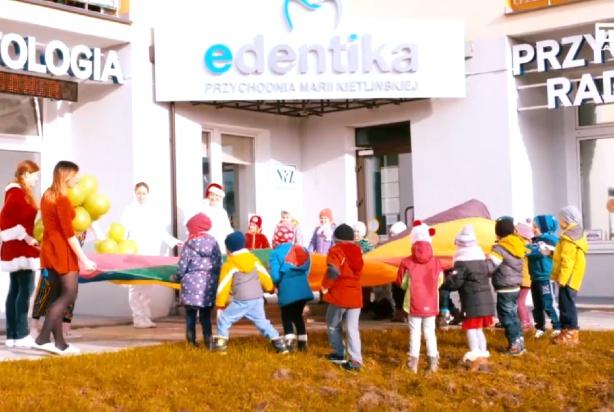 Edentika świątecznie edukuje przedszkolaków