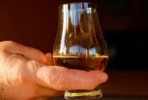 Sprawa dentysty alkoholika tkwi w sądzie