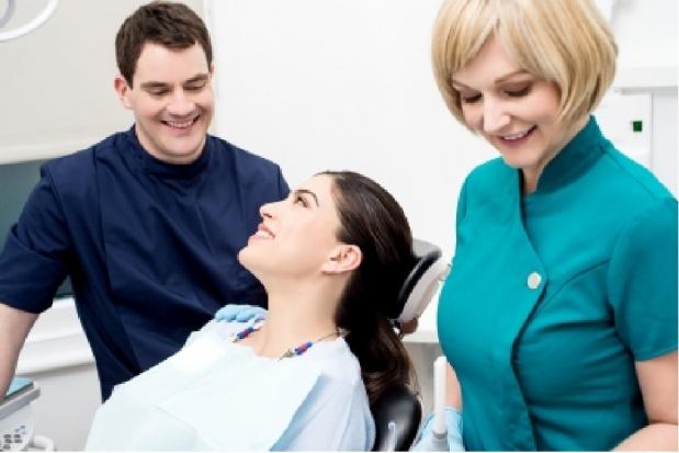 Dlaczego stomatolog nie może pracować w praktyce zawodowej lekarza dentysty