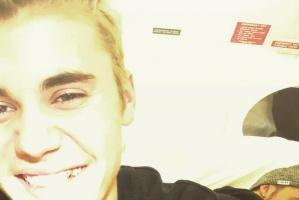 Justin Bieber ma złoty ząb!