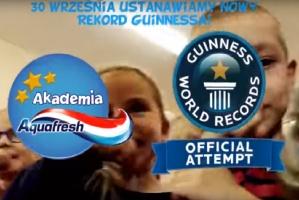 Co z polskim rekordem Guinnessa w jednoczesnym szczotkowaniu zębów?