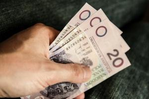 """60 tys. zł za komplikacje przy usuwaniu """"ósemki"""""""
