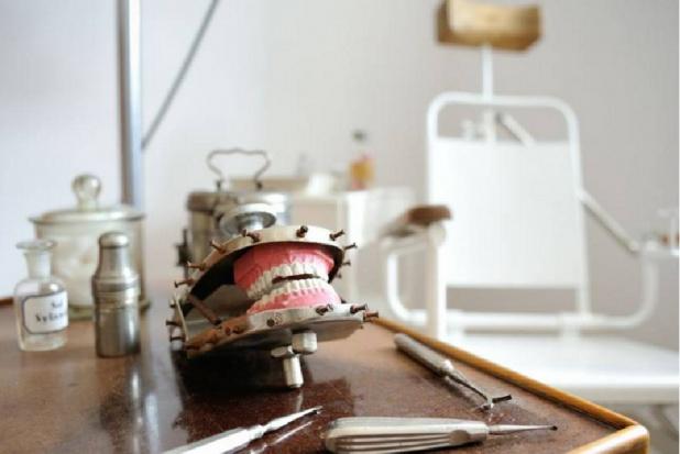 Dzień Dentysty uświetniony przez muzeum UMB
