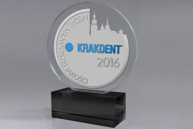Oklaski dla laureatów Konkursu o Medal Najwyższej Jakości Krakdent 2016
