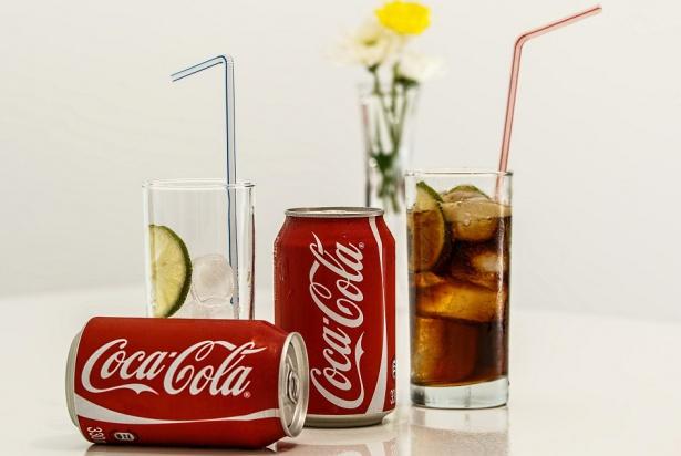 Coca Cola opłaca autorytety w dziedzinie zdrowia jamy ustnej