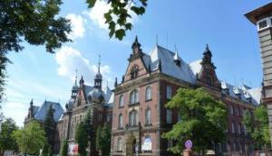 CM w Bydgoszczy: długa droga do stomatologii