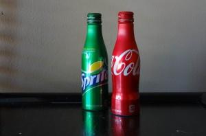 Soft drinki: amerykańscy ortodonci biją na alarm i instruują konsumentów