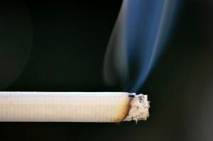 Palenie papierosów wrogiem implantów