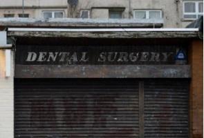 Dentysta, który narażał zdrowie swoich pacjentów, ogłosił bankructwo