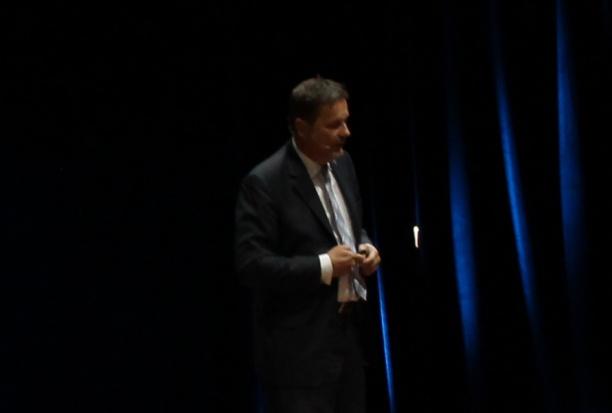 Dr. Dirk U. Duddeck: implantolog w gabinecie jest jak pilot w samolocie