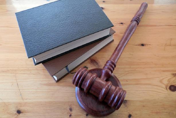 Czas, aby sędziowie uczyli się medycyny?