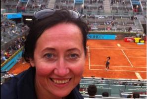 Dentystka z Kielc Joanna Gałuszka-Garnuszek święci triumfy na korcie