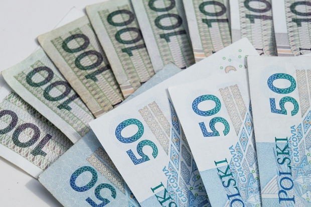 Kuriozalnie niskie podwyżki pensji dla lekarzy i lekarzy dentystów
