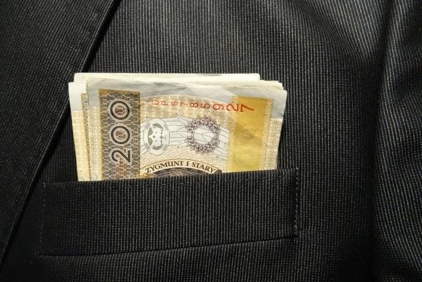 ORL w Warszawie: rozczarowanie zapowiadanymi podwyżkami wynagrodzeń