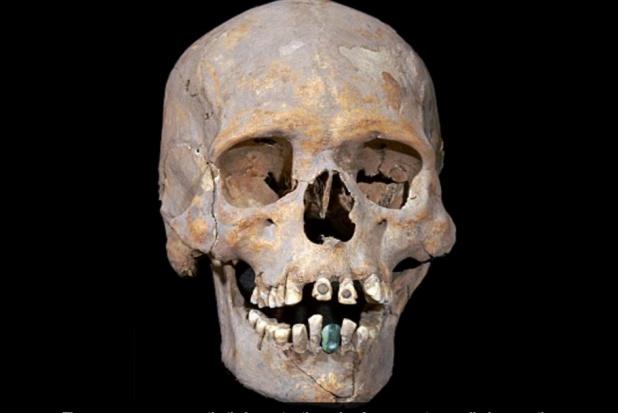 Zęby sprzed 1600 lat zdobione