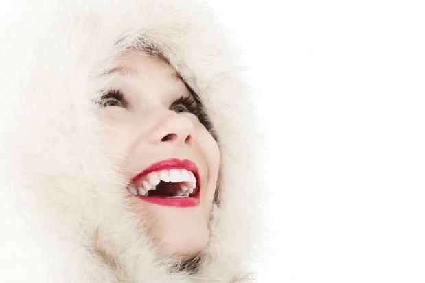 Jak rozmawiać z pacjentami o wybielaniu, radzi dentysta celebrytów