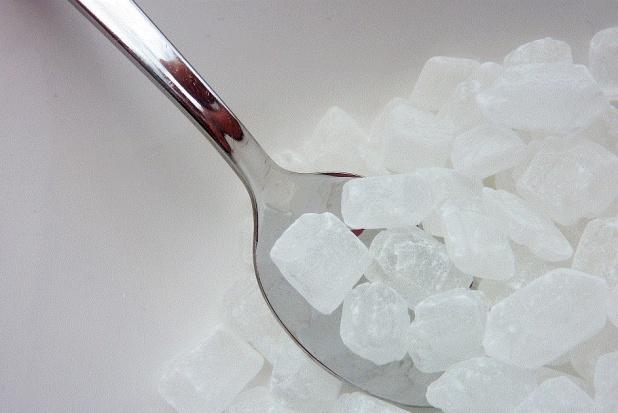 Cukier dewastuje zęby, więc...