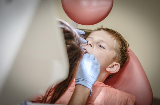 Zdrowsze zęby dzięki 500 plus