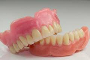 NFZ: obowiązek zgłaszania wyrobów stomatologicznych
