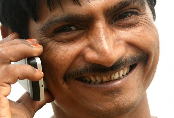 Zaniedbane zęby niweczą szansę na udaną randkę