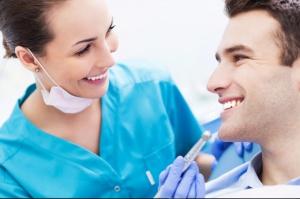 Należyta komunikacja z pacjentem to ważne zagadnienie – oceniają dentyści