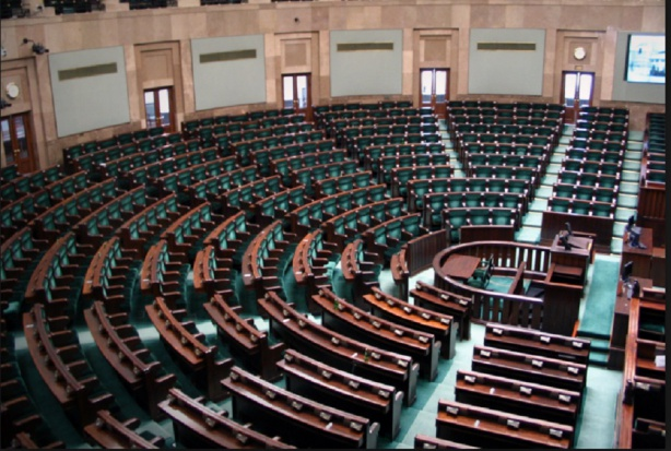 I stało się! Sejm przyjął nowelizację przywracającą staże podyplomowe lekarzy