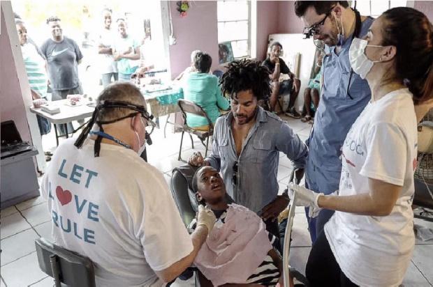 Lenny Kravitz dentystyczna reaktywacja