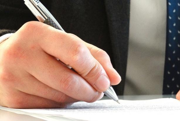 OW NFZ w Opolu sonduje kto zechce przedłużyć kontrakt