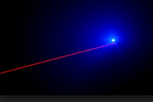 Laserem w bakterie
