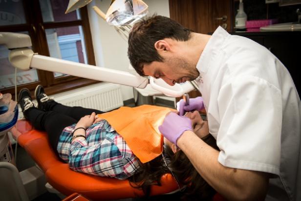 Poseł dentysta pyta o weekendową opiekę zdrowotną