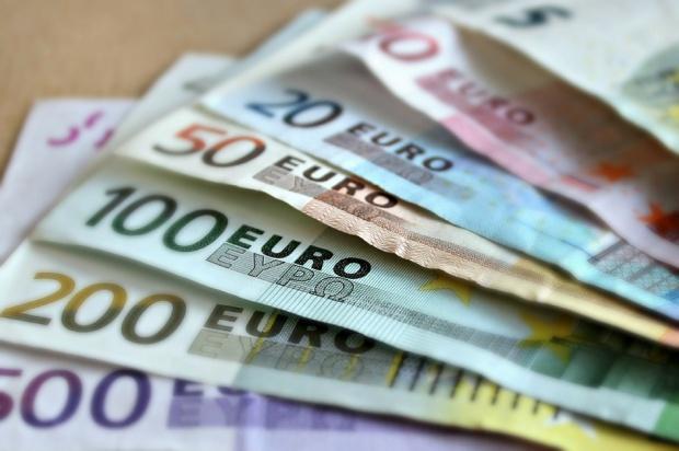 UE: ceny usług stomatologicznych w październiku wyraźnie wzrosły