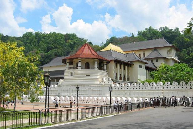 Świątynie dla jednego zęba