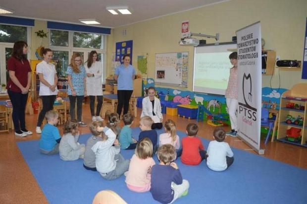 Gdańsk: studenci z GTSS odwiedzają przedszkolaki