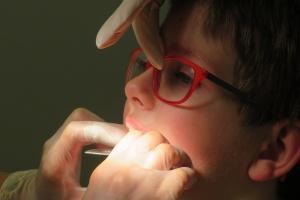 Stomatologia dziecięca: są pieniądze nie ma pacjentów