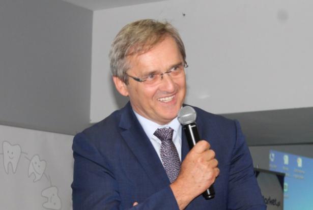 Maciej Hamankiewicz pyta ministra zdrowia o znikomą liczbę rezydentur