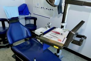 ŚDZJU na Jamajce: masowe lakowanie zębów