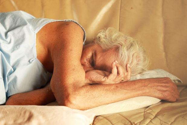 Zespół bezdechu sennego uderza w leczenie implantologiczne
