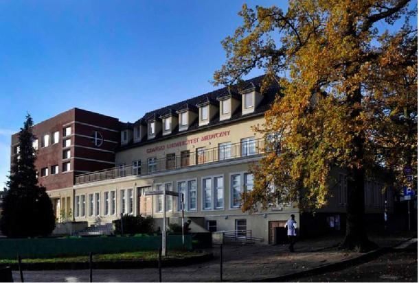GUMed: 23 dentystów odnowiło dyplomy