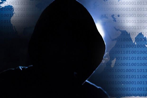 Haker wykrada dane pacjentów klinik stomatologicznych
