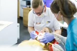 Polacy wśród trzech nacji najczęściej odwiedzających dentystę?!