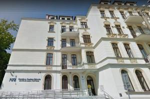 NFZ odwołuje konkursy stomatologiczne i przedłuża obowiązujące