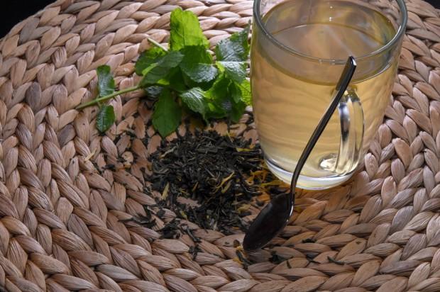 Ortodoncja: problem łyżeczki do mieszania herbaty bez cukru