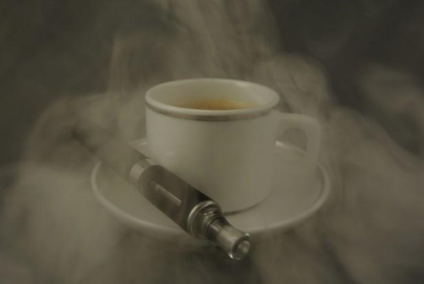 E-papierosy równie szkodliwe jak tradycyjne