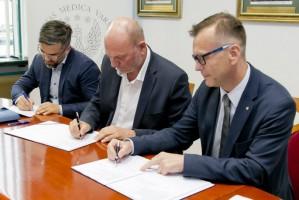Podpisano umowę na realizację Uniwersyteckiego Centrum Stomatologicznego WUM